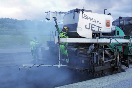 Perfectly prepared: Wirtgen fine milling machines produce neat, level surfaces with good grip.