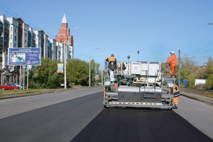 High-performance, adjustable infrared heaters warm the damaged pavement.