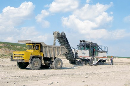 Gently loading trucks with small-sized material