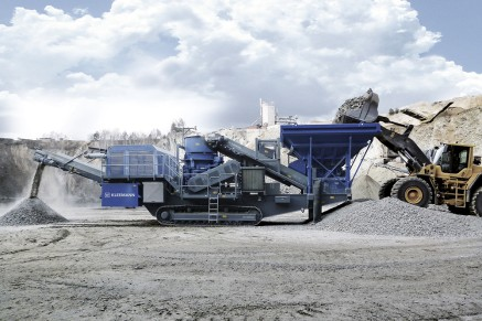Mobile Secondary Crushers MOBICONE MCO 11 S processing granite.