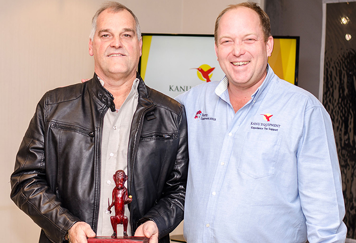 Francois Bigara accepts his trophy for Maintenance Support Dealer of the Year